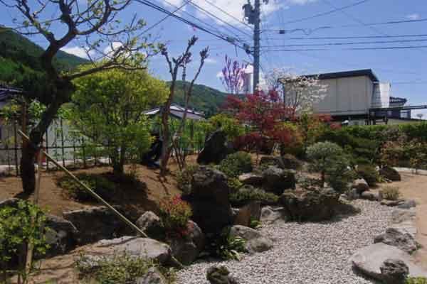 和風のお庭完成写真